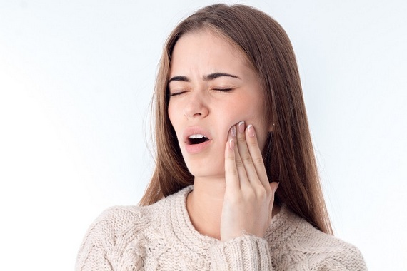 Jaw clicking pain can have many causes